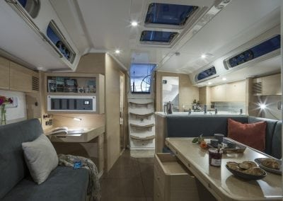 x4-x-yachts-fastsailing-interior02-galley
